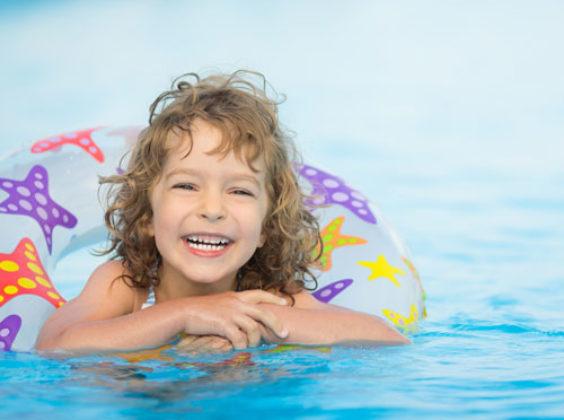 Reisen mit Baby und Kleinkind – so wird's für alle ein entspannter Urlaub.