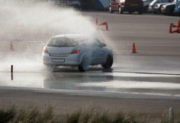 Fahrsicherheitstraining: Lerne Deine Grenzen und die Deines Fahrzeugs kennen!